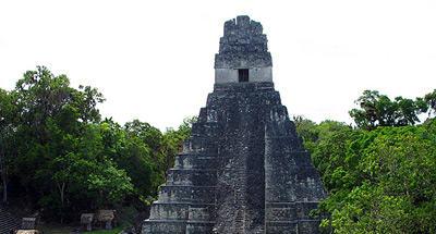 Construcciones piramidales estilo maya en el mundo moderno